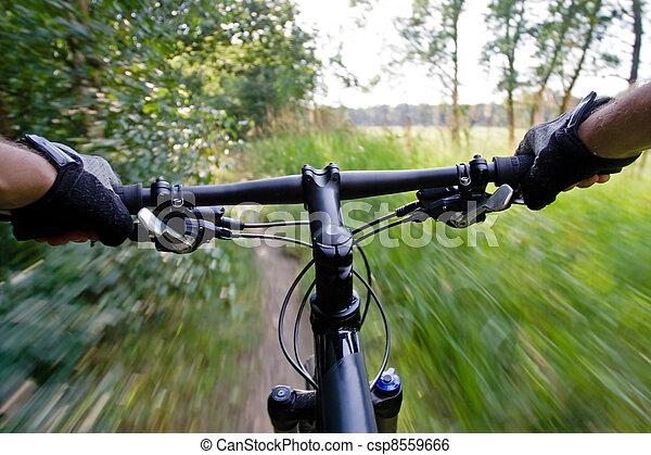 elnyomott bicikli, hegy - csp8559666