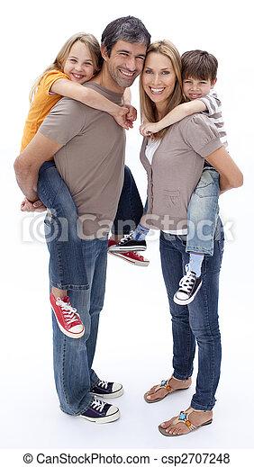 Eltern, die Kinder Huckepack fahren - csp2707248