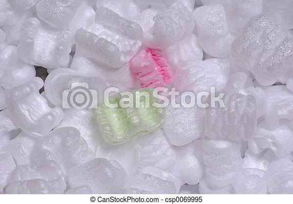Empacando esyrofoam - csp0069995