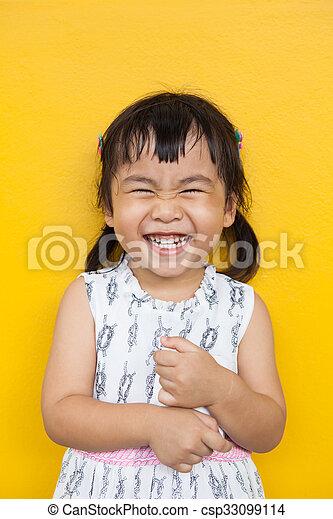 emoção, toothy, uso, parede, dental, cima, face amarela, tema, saúde, asiático, facial, fim, sorrindo, encantador, crianças, felicidade, criança - csp33099114
