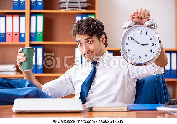 employé, bureau, fonctionnement, jeune - csp62647539