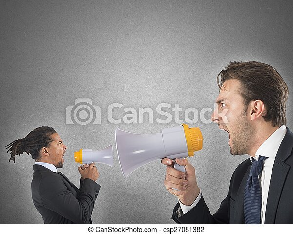 Employee yelling against boss - csp27081382