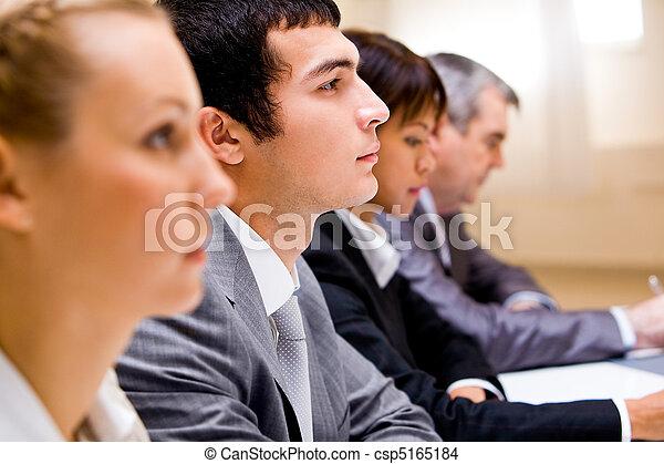 Educación de negocios - csp5165184