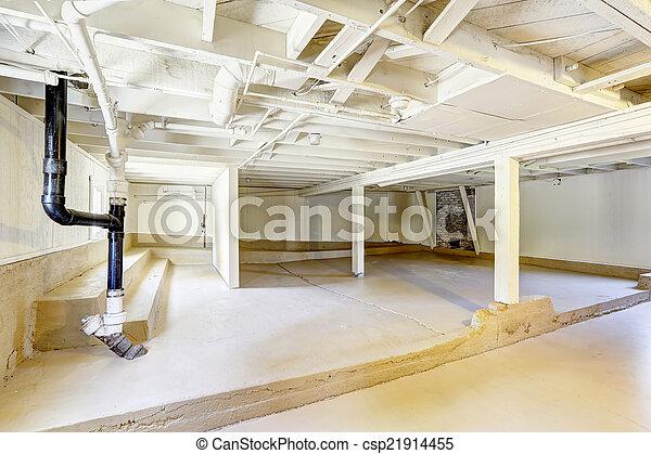 Empty basement in american house - csp21914455