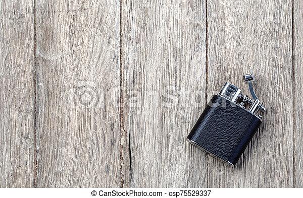 encendedor, cigarrillo, de madera - csp75529337