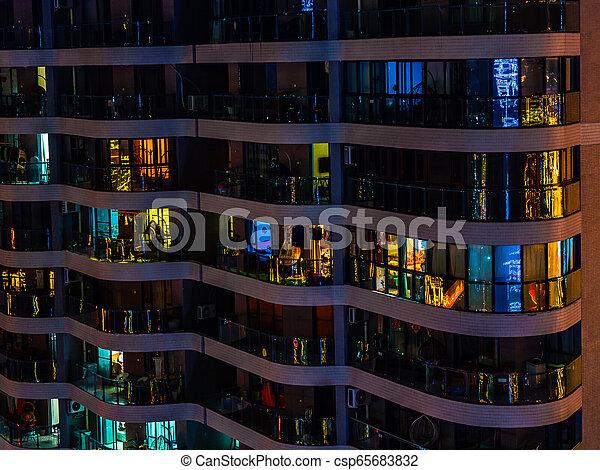 Encendido Edificio Noche