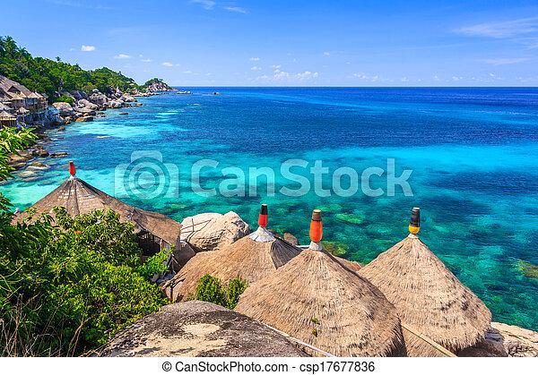Una cabaña de bambú sobre el mar cristalino - csp17677836