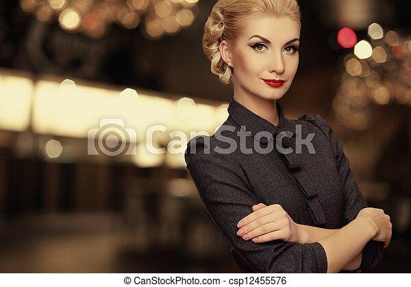 encima, mujer, retro, plano de fondo, confuso - csp12455576