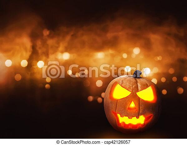 Jack O'lantern sobre antecedentes borrosos - csp42126057