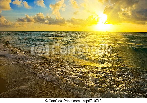 encima, salida del sol, océano - csp6710719