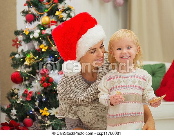 enduit, arbre, manger, mère, bébé, portrait, noël, heureux - csp11766081