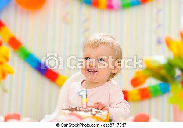 enduit, gâteau anniversaire, portrait, gosse, manger, premier - csp8717547