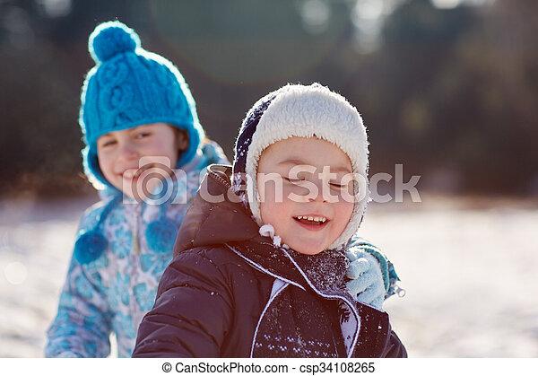 enfance, innocence - csp34108265