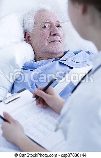 enfermeira, entrevistar, paciente, idoso - csp37830144