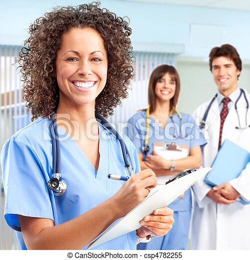 Doctores y enfermeras - csp4782255