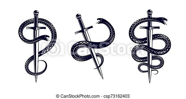 Serpiente y Daga, Serpiente envuelve un tatuaje antiguo vector de espada, dios romano Mercury, suerte y engaño, logotipo alegórico o símbolo antiguo. - csp73162403