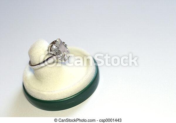 Engagement ring - csp0001443