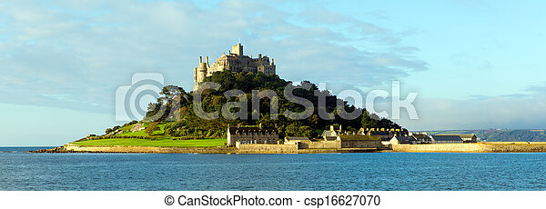 English medieval castle on island - csp16627070