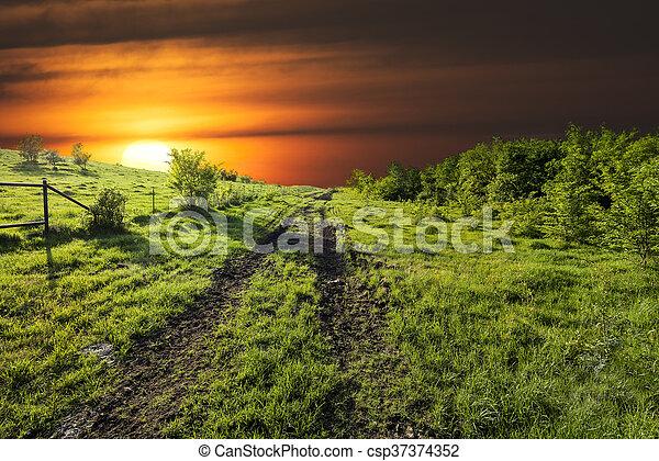 Sunset en Sugar Ridge Road, Ennis, TX - csp37374352