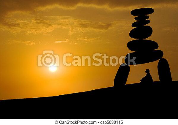 enorme, tensão, rosto, pôr do sol, sob, meditação - csp5830115