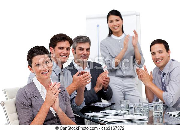 enthousiaste, businessteam, applaudir, présentation, après - csp3167372