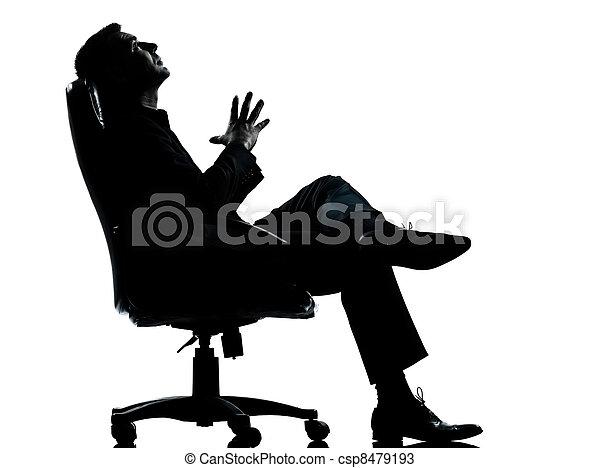 entiers, silhouette, business, délassant, séance, pensée, fauteuil, isolé, une, longueur, studio, fond, caucasien blanc, homme - csp8479193