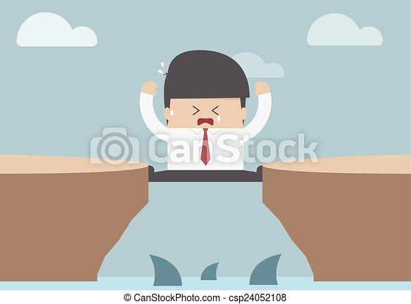Hombre de negocios entre el acantilado - csp24052108