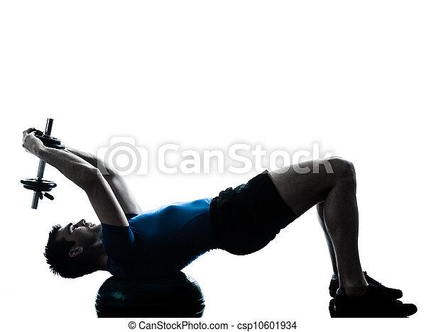 El hombre ejercitando la postura de entrenamiento de peso bosu - csp10601934