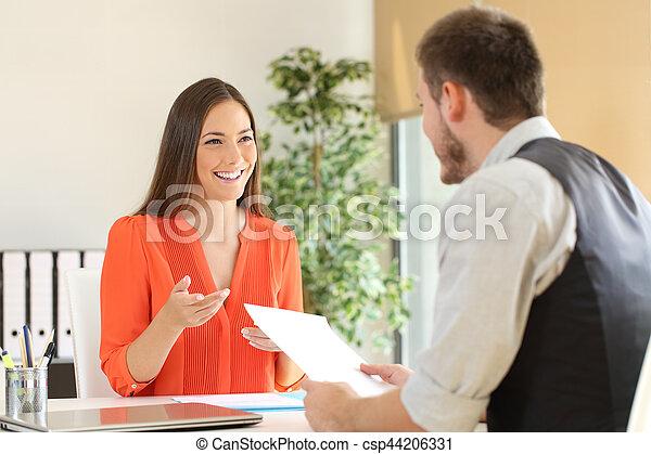 entretien travail, conversation, femme - csp44206331