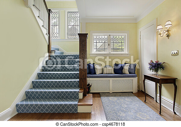 Entry area with yellow walls - csp4678118