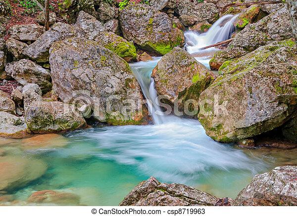 eredet, vízesés, erdő - csp8719963