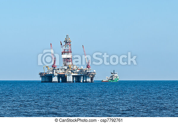 ERRV (stand-by) vessel and oil rig - csp7792761