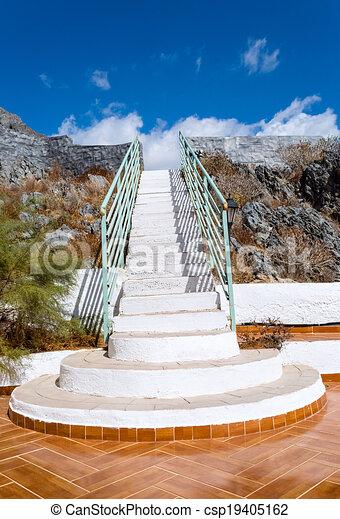 escadaria, céu - csp19405162