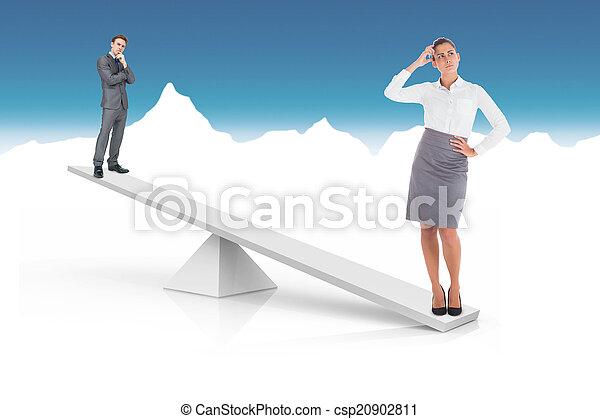 Escamas blancas que pesan empresario y mujer de negocios - csp20902811