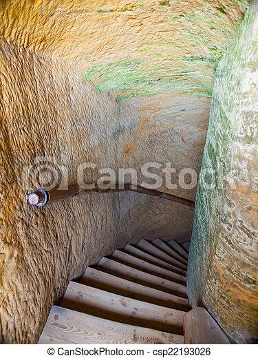 escalera, escondido, viejo - csp22193026