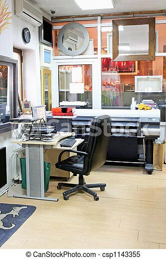 escritório, imprimindo - csp1143355