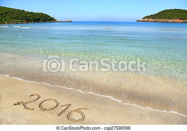 2016 escrito en la playa arenosa - csp27590099