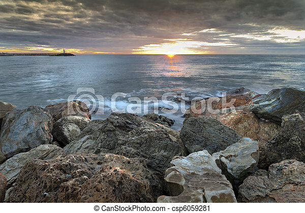 Al amanecer en España - csp6059281