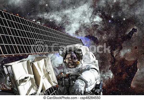 espacio exterior, encima, planeta, estación, astronauta, internacional, earth. - csp48284550