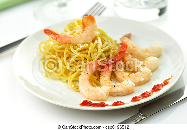 espaguetis, camarones - csp6196512