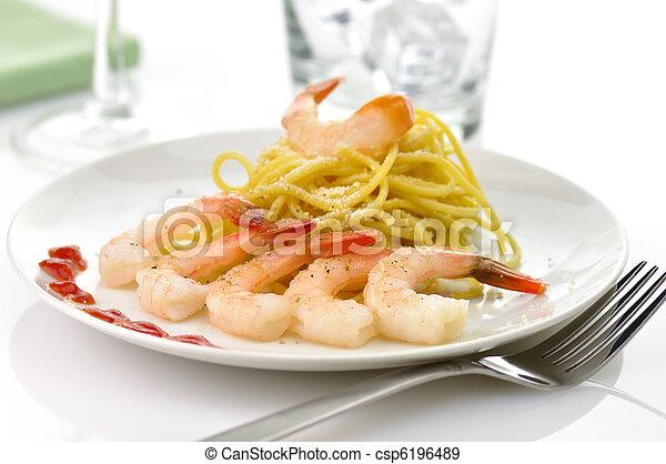 espaguetis, camarones - csp6196489