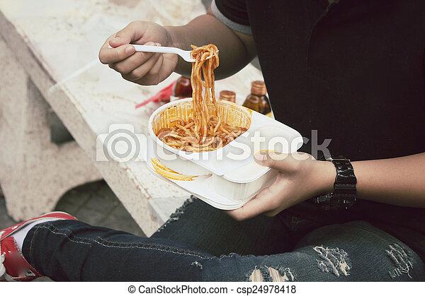 espaguetis - csp24978418