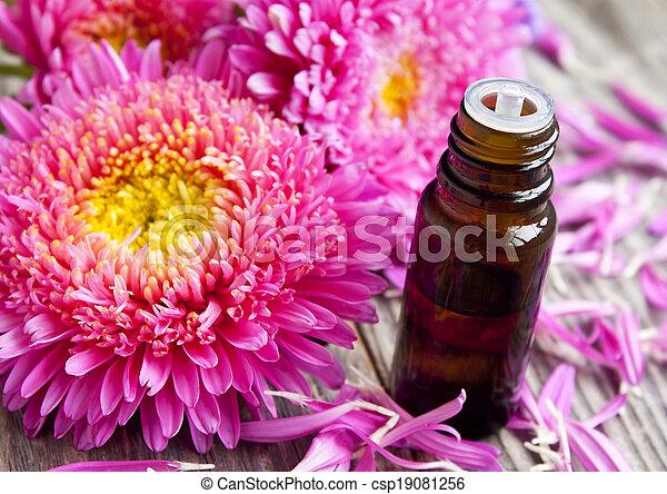 essentie, bloem, fles, kroonbladen - csp19081256