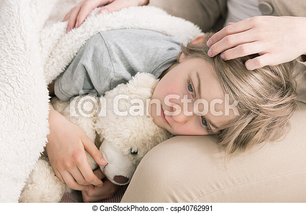 Cansado de estar enfermo - csp40762991