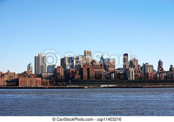 NYC - Bronx, vista desde Manhattan, EE.UU - csp11403216