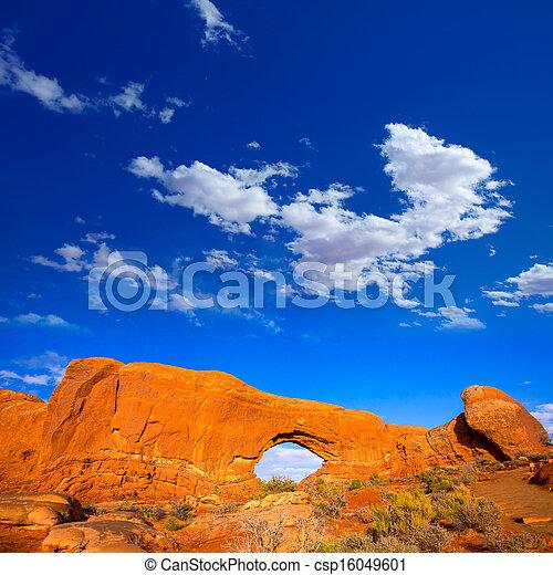 Parque nacional Arches en Moab Utah USA - csp16049601