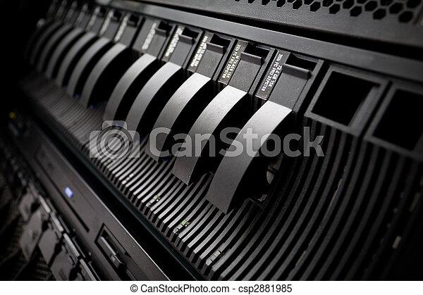 Estante de Server SAN en el centro de datos - csp2881985