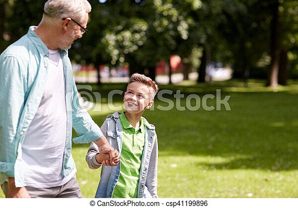 estate, camminare, parco, nipote, nonno - csp41199896