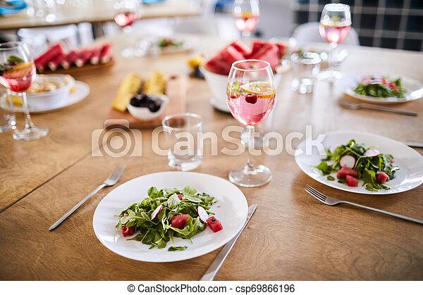 estate, tavola cena - csp69866196