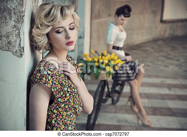 estilo, belezas, foto, jovem, dois, retro - csp7072797